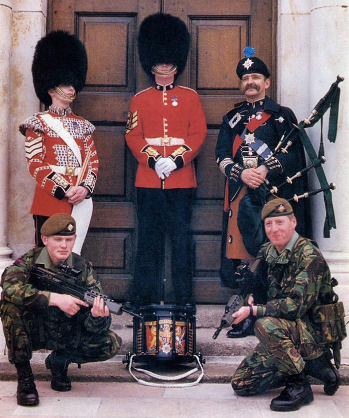 Irish Guardsmen in 2000