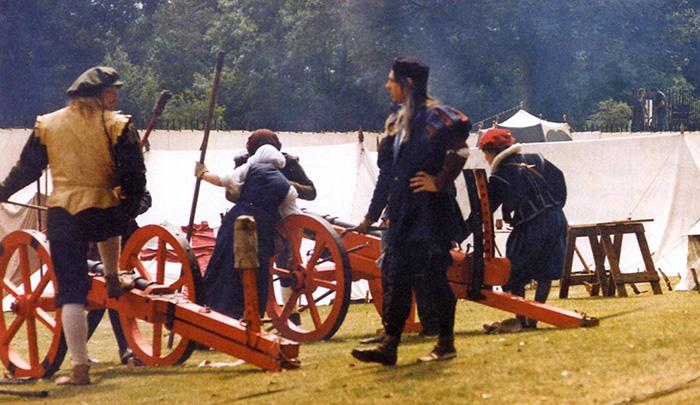 Tudor gunnery re-enactment